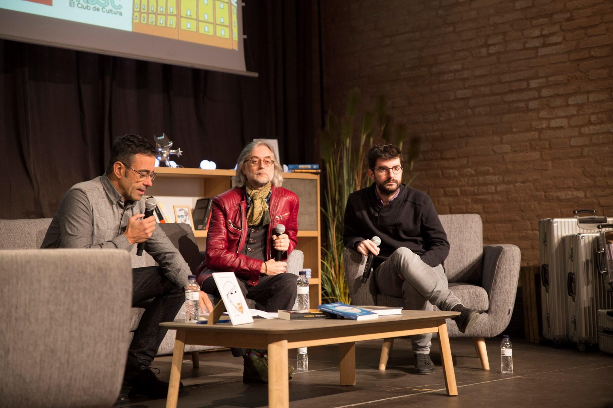 Marc Artigau i Víctor Amela, amb Xavi Abad