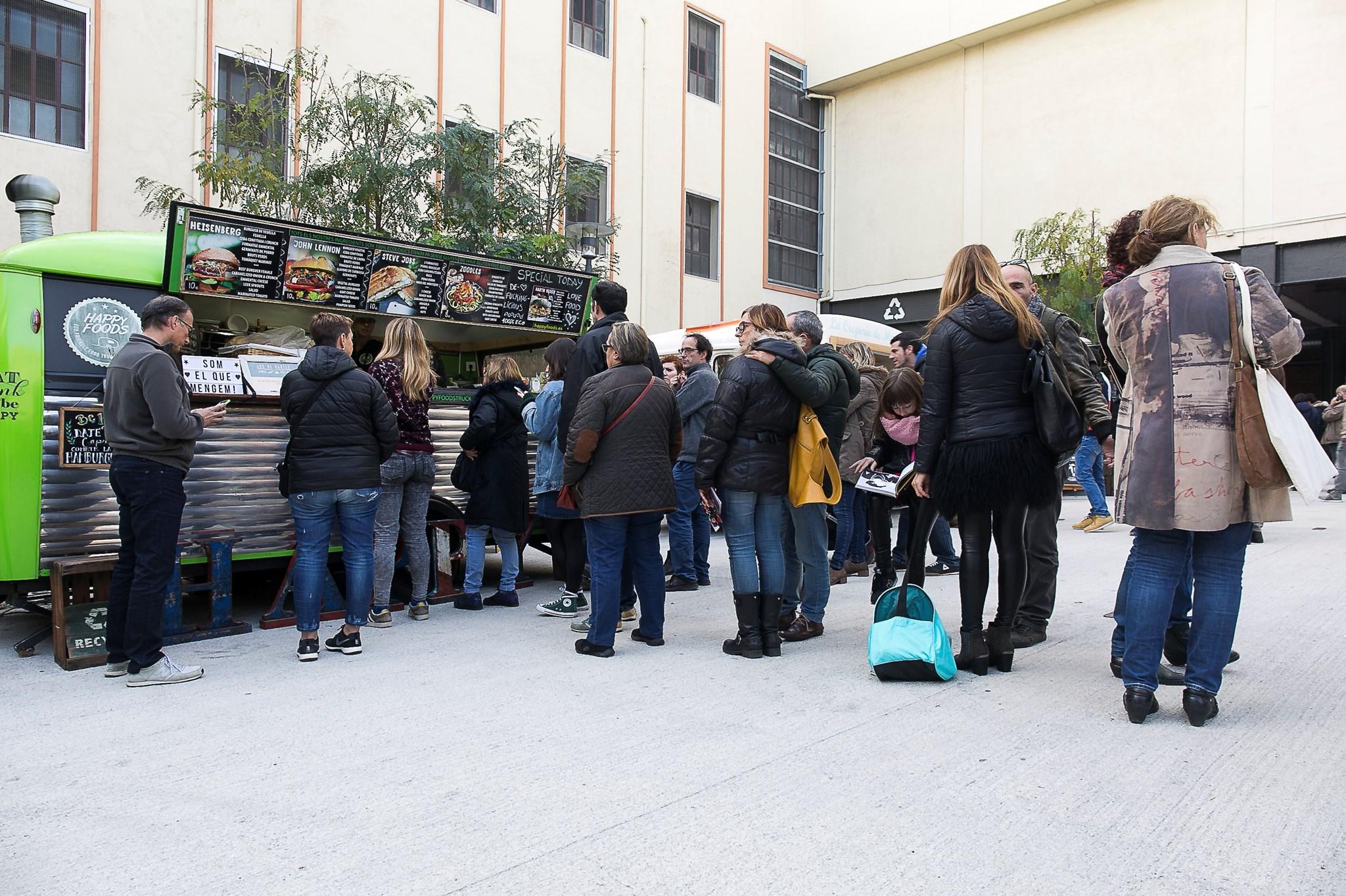 Les foodtrucks a la plaça del Mercat
