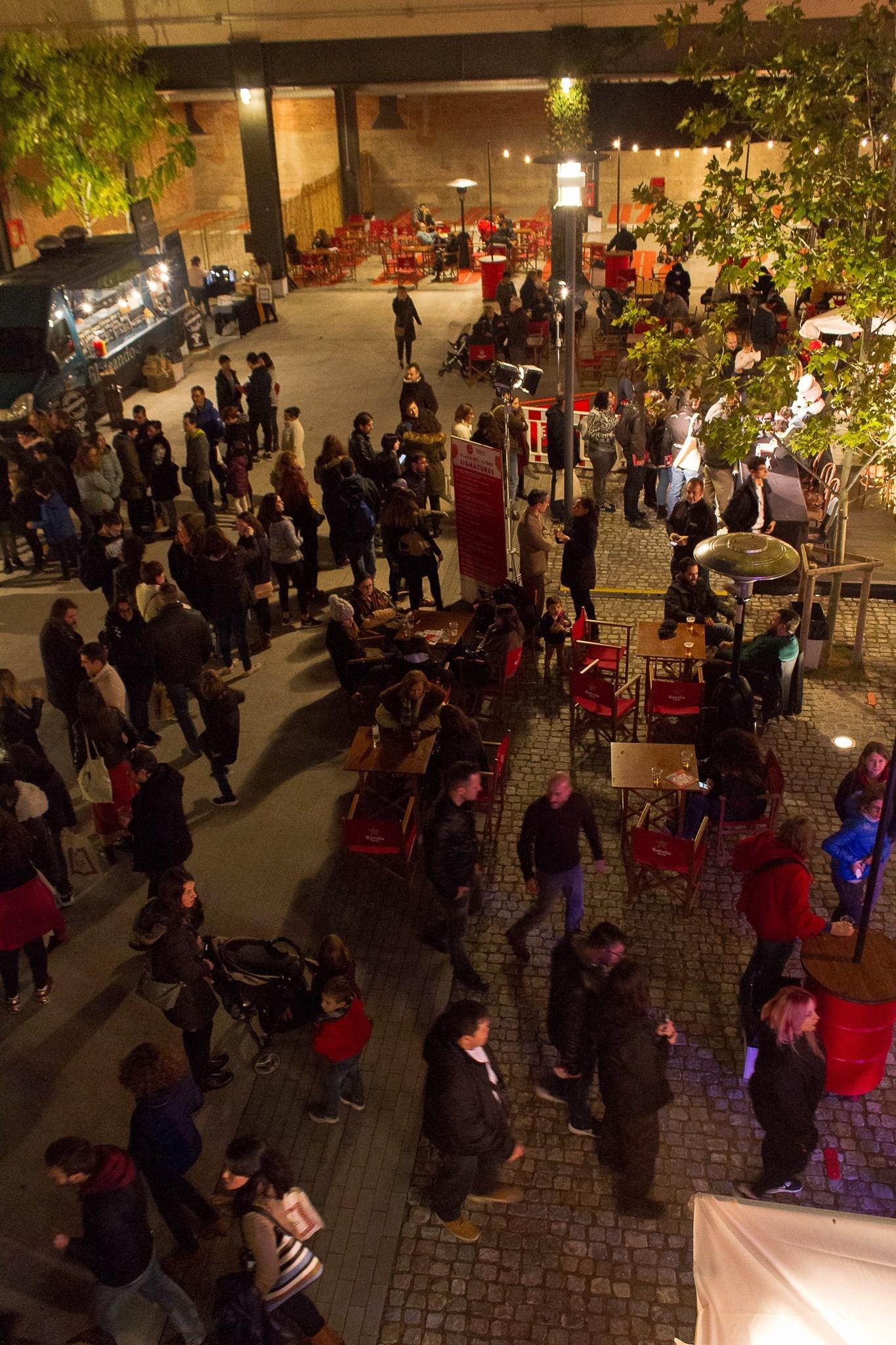 La plaça del Mercat a última hora