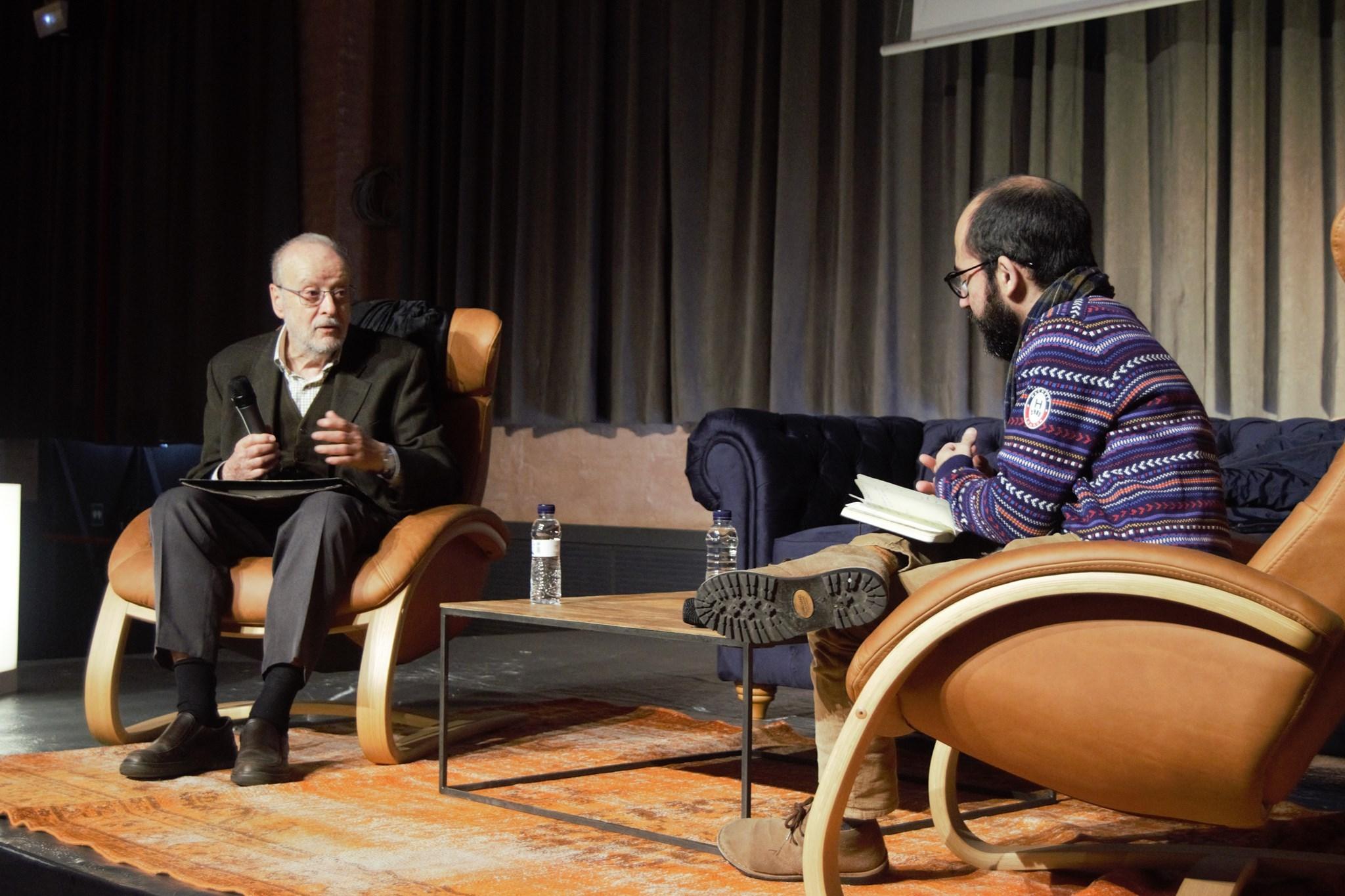 Joan Safont entrevistant Joaquim Carbó