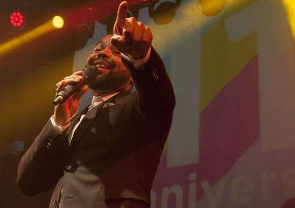 El concert #11anysTR3SC de Myles Sanko en imatges