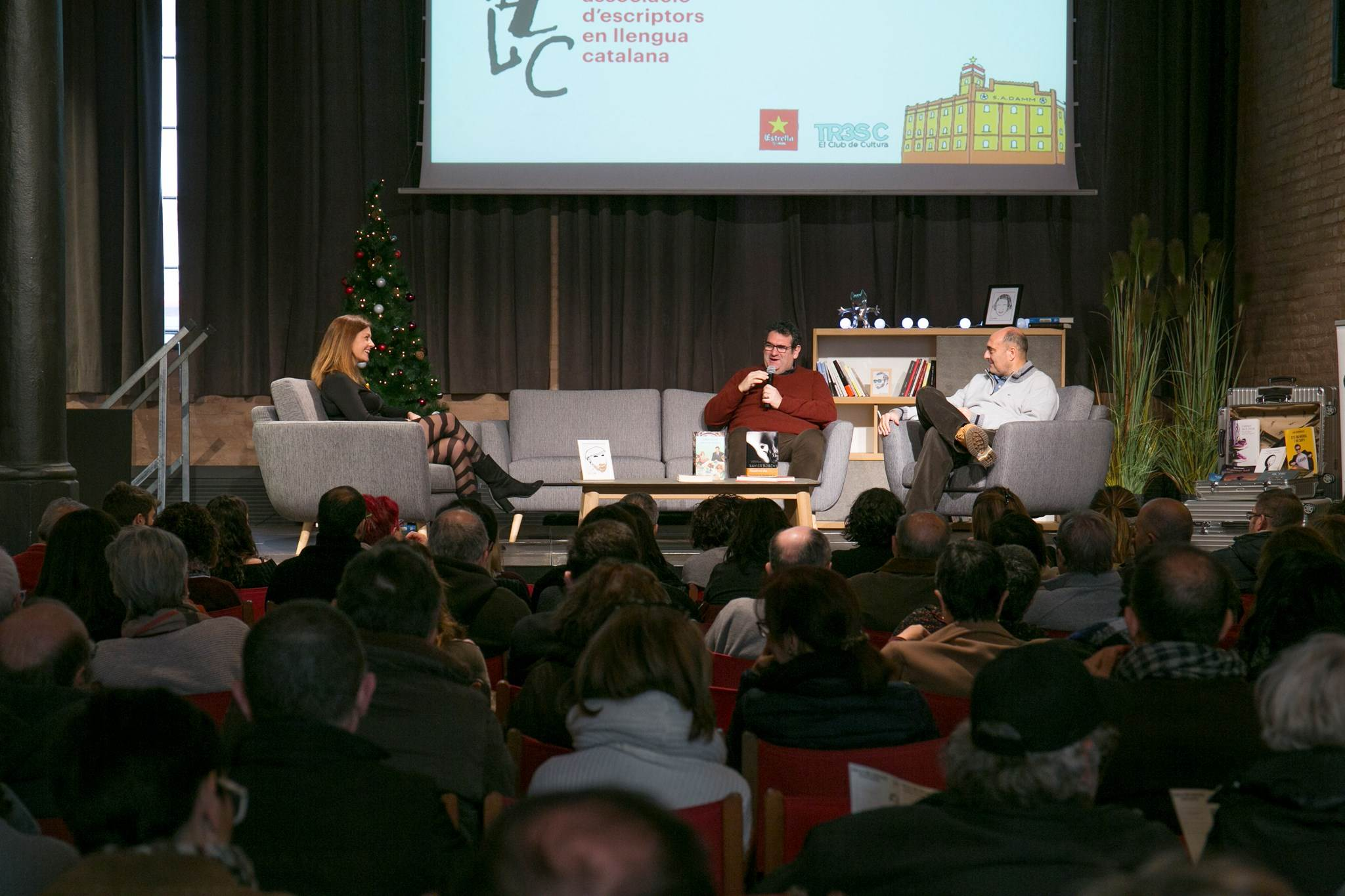 Jordi Puntí i Xavier Bosch, amb Sílvia Cantos