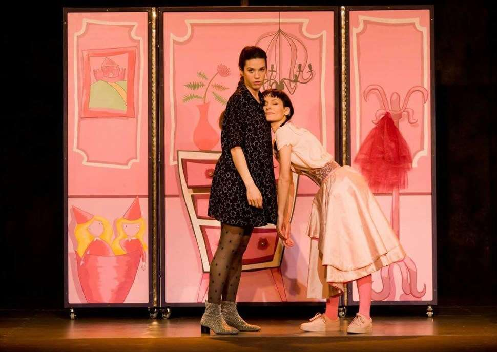'Hi ha res més avorrit que ser una princesa rosa?' · Auditori Teatre Espai Ter