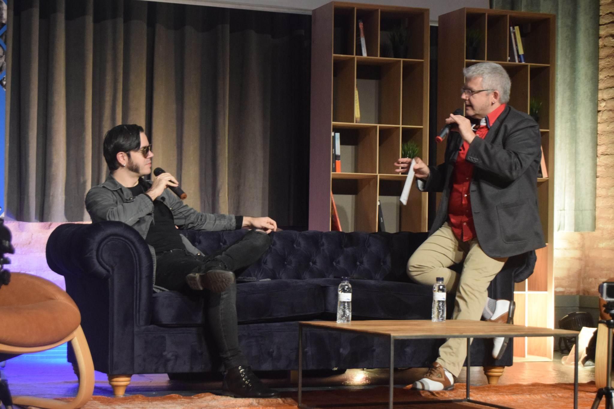 Els patillerus! Màrius Serra entrevistant Arnau Tordera