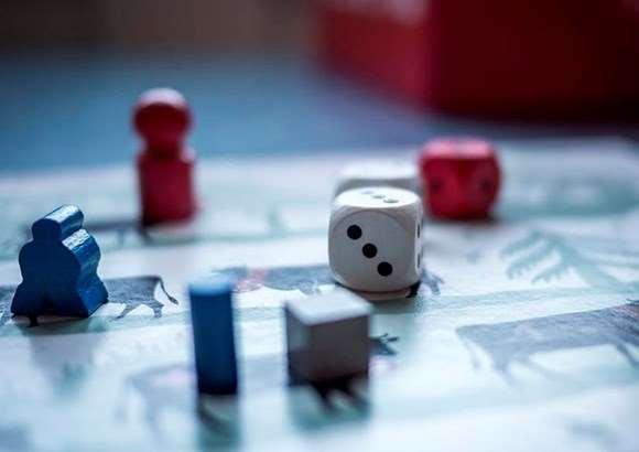 Treu la pols als jocs de taula clàssics!