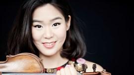Esther Yoo & OCM · El concert de Sibelius + Dvorák 8