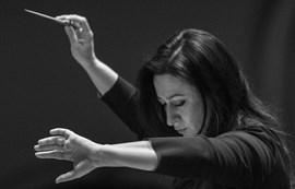 SIMONE YOUNG DIRIGEIX PERIANES Amb Schubert i Brahms