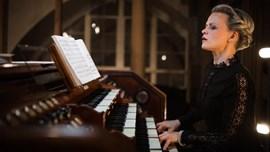 Iveta Apkalna: Bach i Glass per a orgue