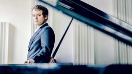 Benjamin Grosvenor, piano: Brahms, Chopin i Liszt